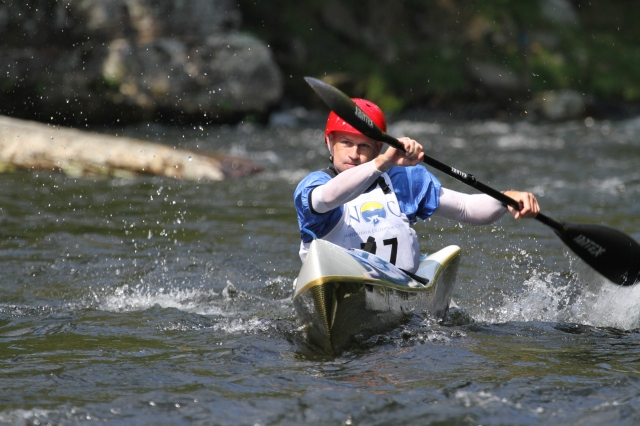 Worlds fastest junior and under 23 whitewater paddlers on Nantahala River (North Carolina)